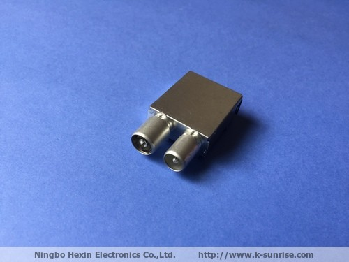RF connector with metal shielding case